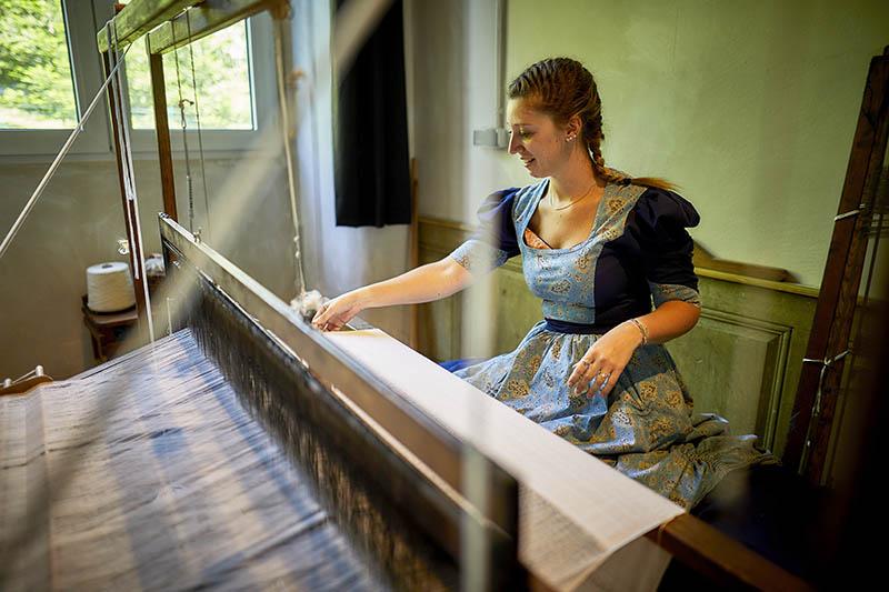 Parc de Wesserling - Alsace Ecomusee Textile - démonstration théâtralisée